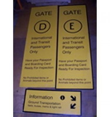 Gates D & E Information Signs