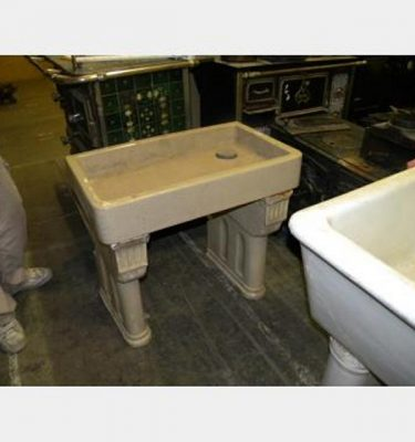 Ceramic Standing Basin With Legs