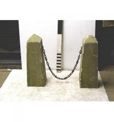 Bollards And Chains X10