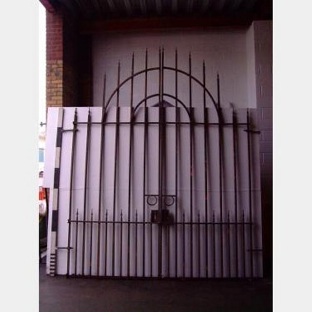 Metal Gates 1 Pr Large With Radius Top