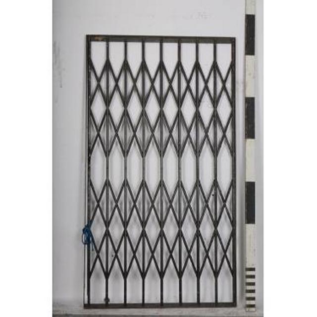 Lift Shutter Door In Frame 1955X1080