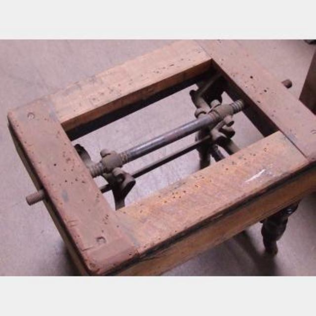 Stool With Lifting Device 430X420X330