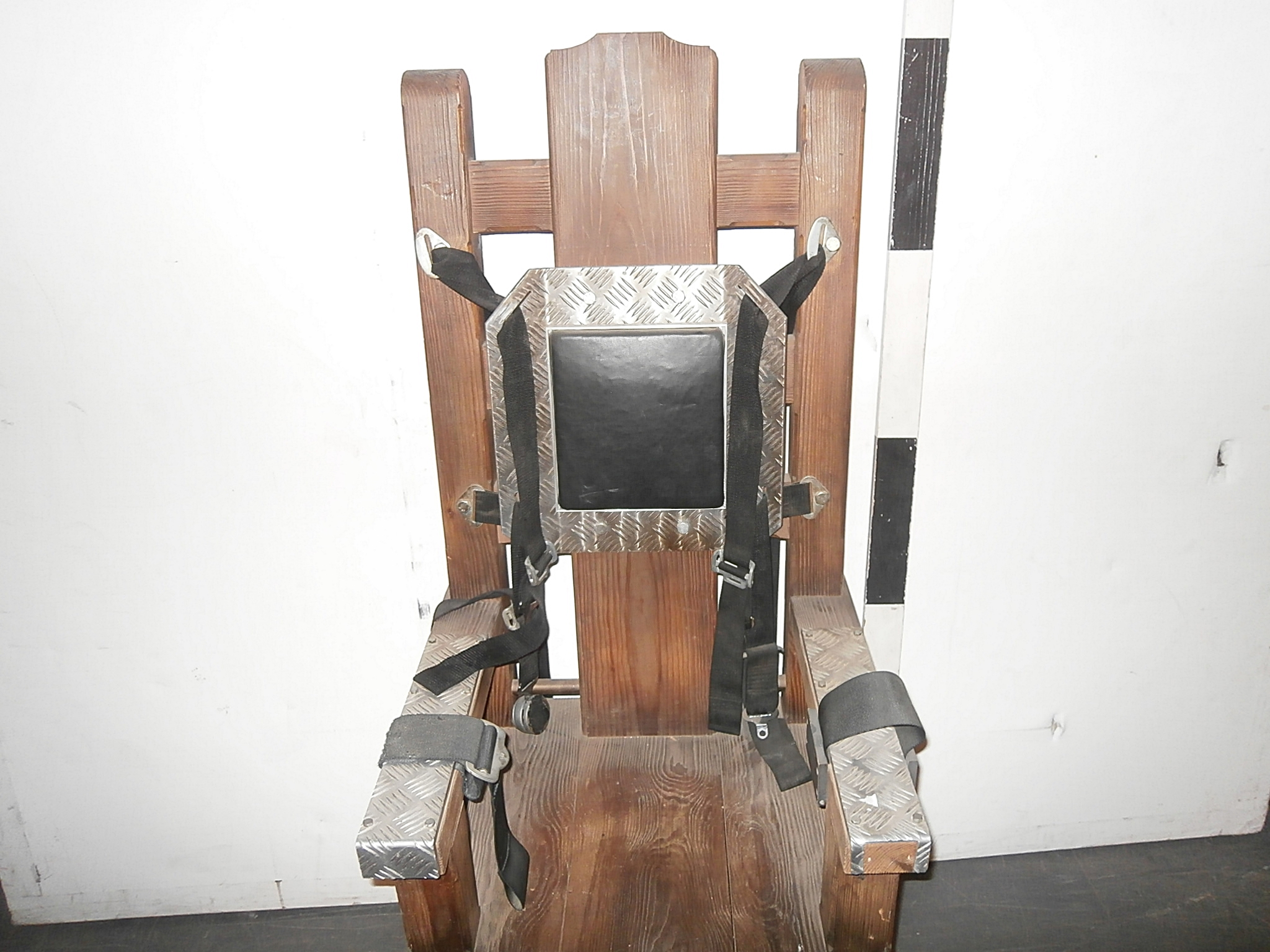 0085044 Electric Torture Chair Timber With Straps ( H 155cm x 62 x 60 ) & 0085044 Electric Torture Chair Timber With Straps ( H 155cm x 62 x ...
