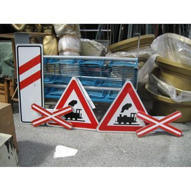 0094083 Railway Crossing Signs - Stockyard Prop and Backdrop