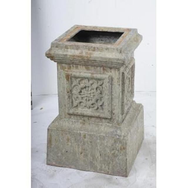 Cast Iron Urn Stand X 4 Off  550X360X360