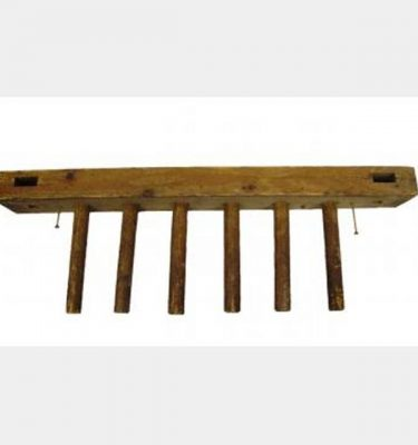 Wooden Hanging Pegs X4 800Mm Long
