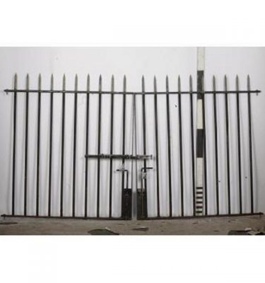 Gates Pointed Spikes Top  X 2Off                              1480H X1330Each
