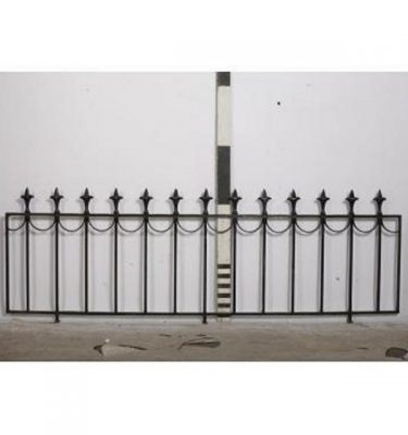 Wall Cap Railings Fleur De Lys Head                             700X13660 Run