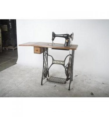 Sewing Machine On Iron Base