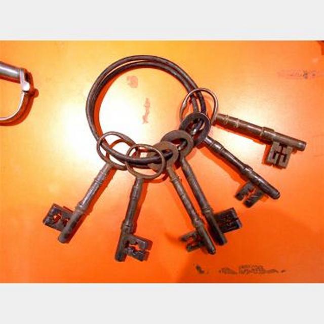 Jailers Keys 6Off