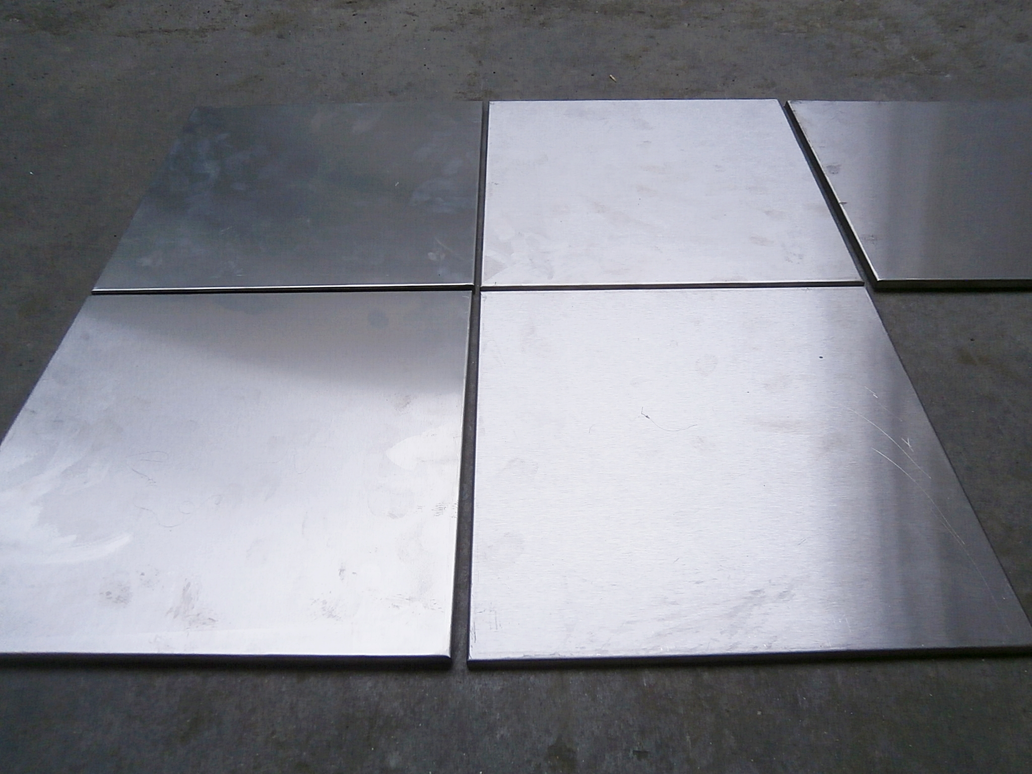 0052034 Metal Floor Tiles ( 30cm x 30 ) x 100off - Stockyard Prop ...