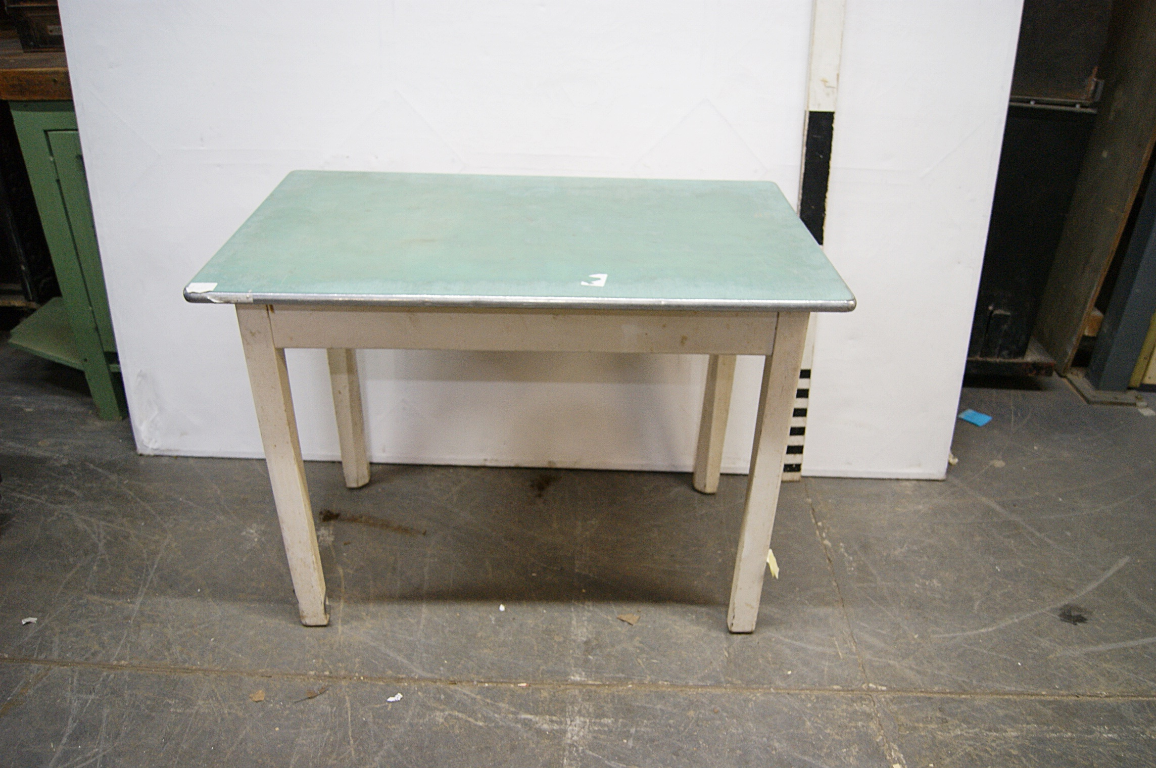 1180136 green formica top kitchen table with drawer  h