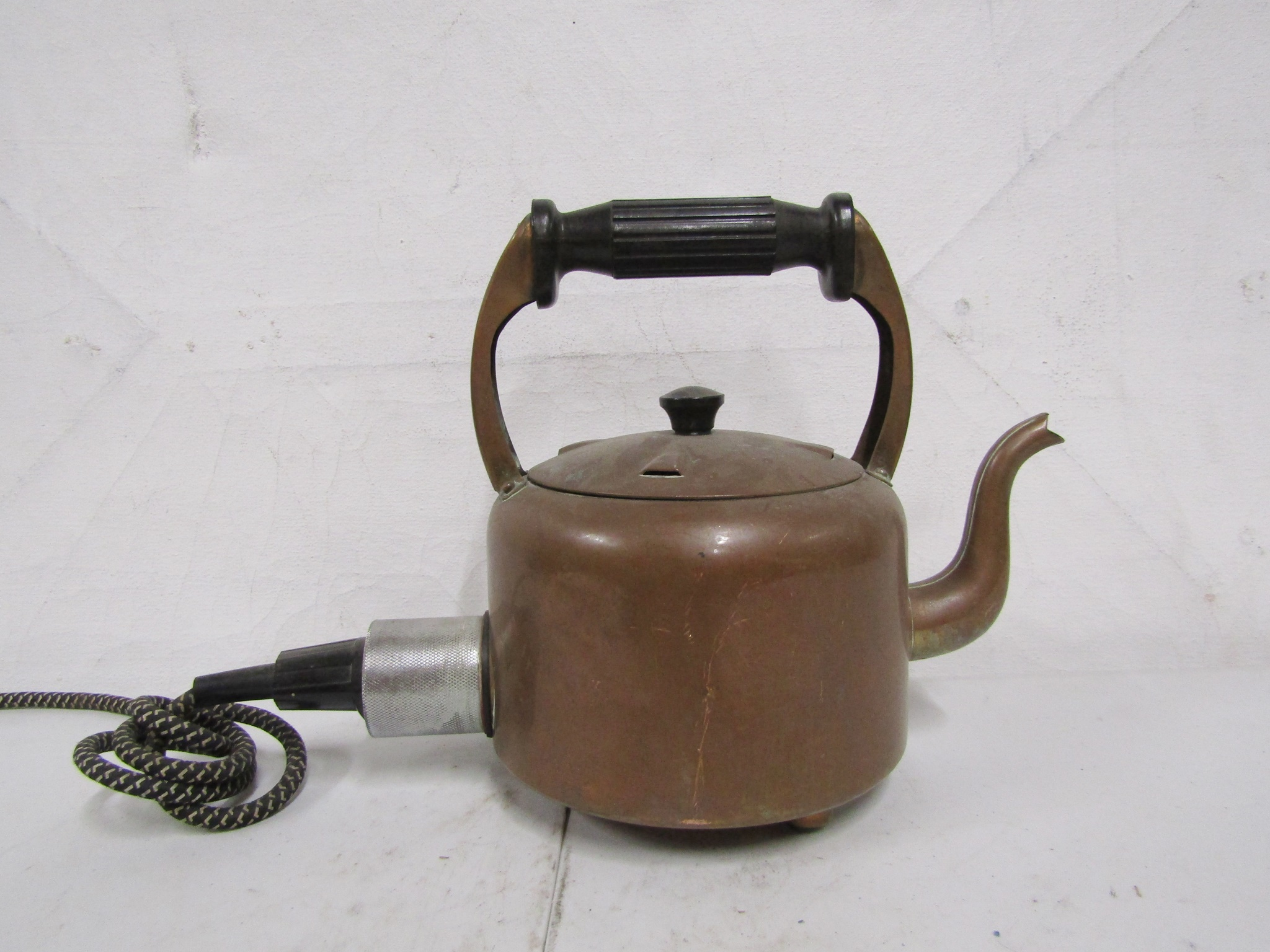 0330082 Old Electric Kettle ( H 23 cm x